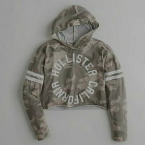 Hollister hooded crop graphic tee
